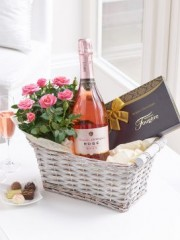 Luxury Sparkling Rosé Wine Gift Basket
